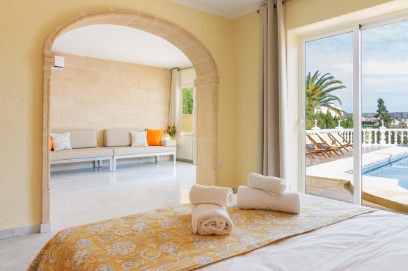 Master bedroom (suite)